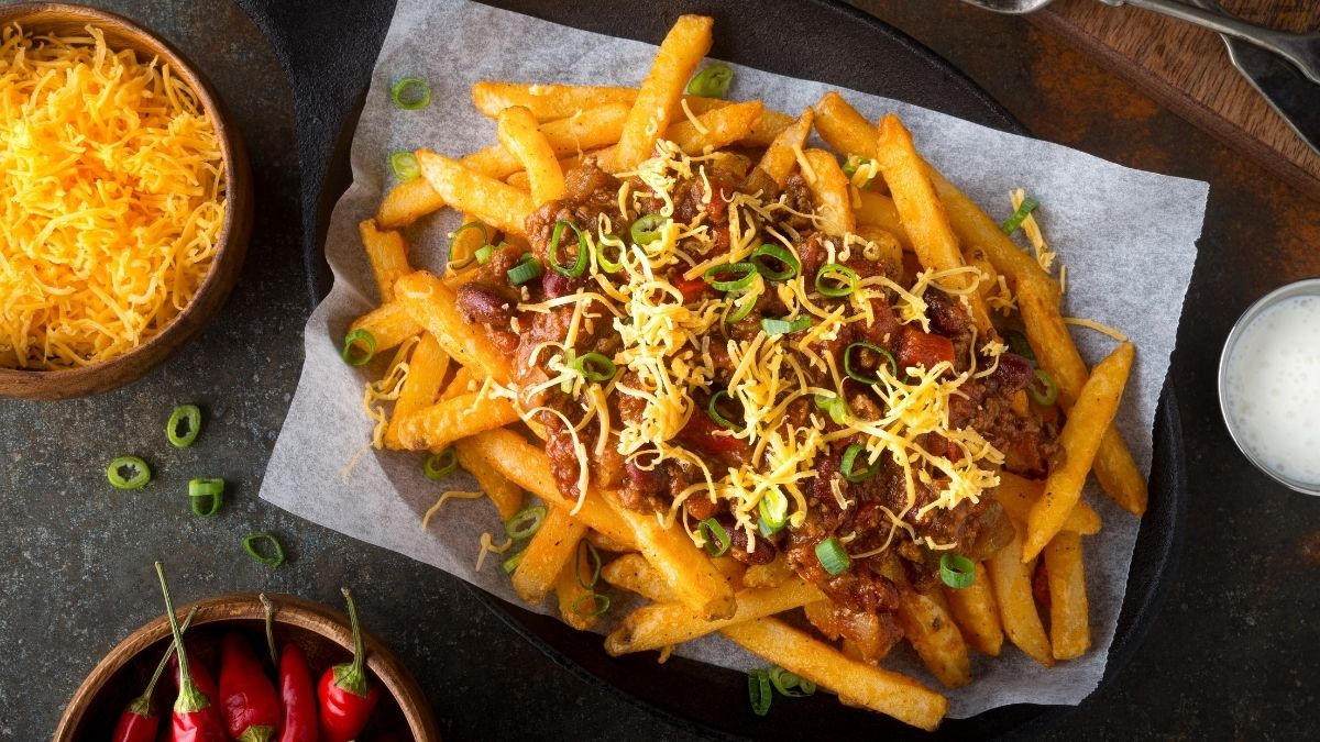 How to Reheat Chili Cheese Fries in Less Than 5 Minutes