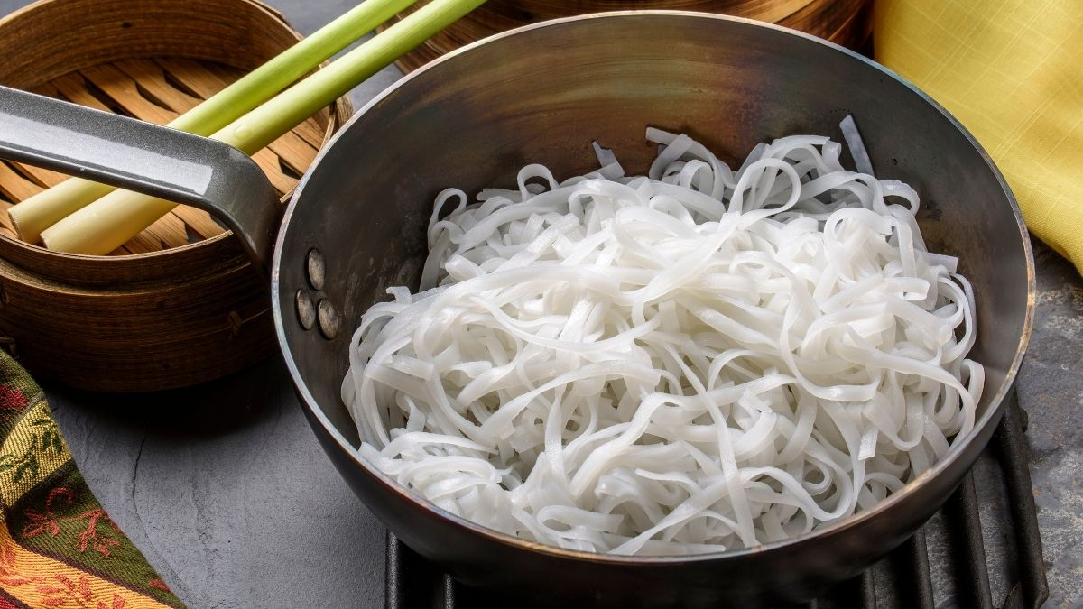 How to Reheat Rice Noodles